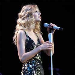 Taylor Swift S Fearless Tour Utilizes Audio Technica Wireless Systems Prosoundweb